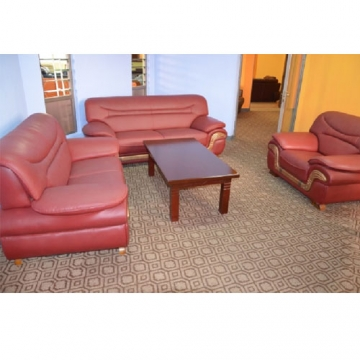 5 seater Leather sofa set in Maroon
